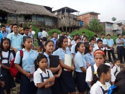 Proyecto en Colombia que ayuda a la enseñanza primaria universal